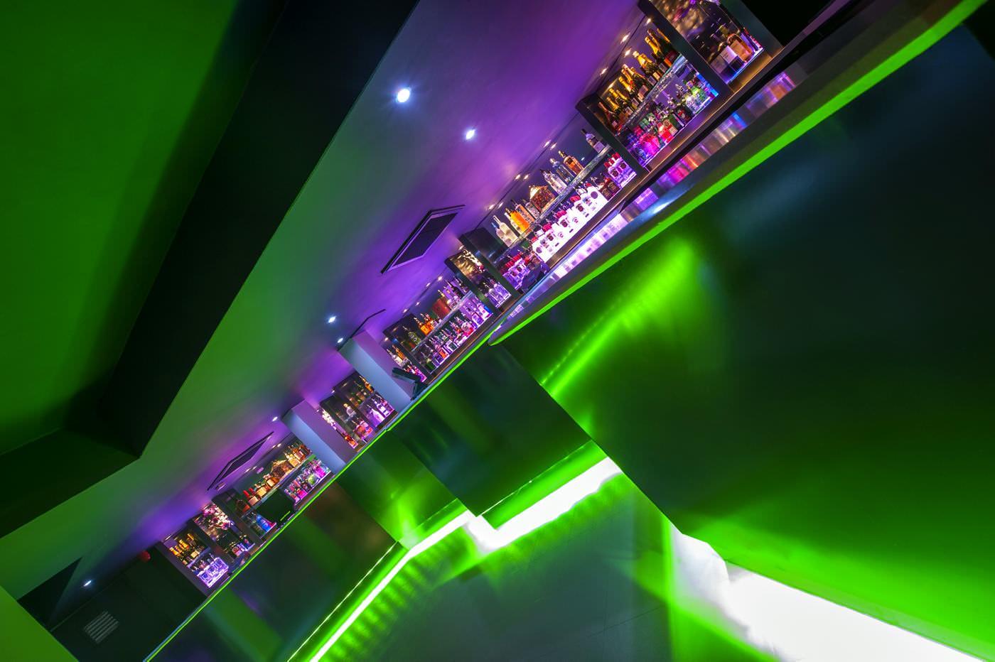 Cameo green bar