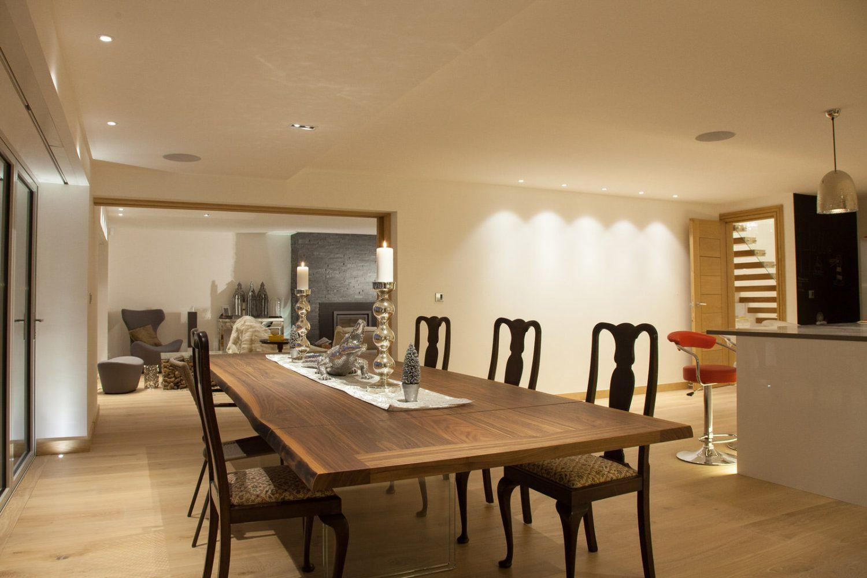 beach house dining room